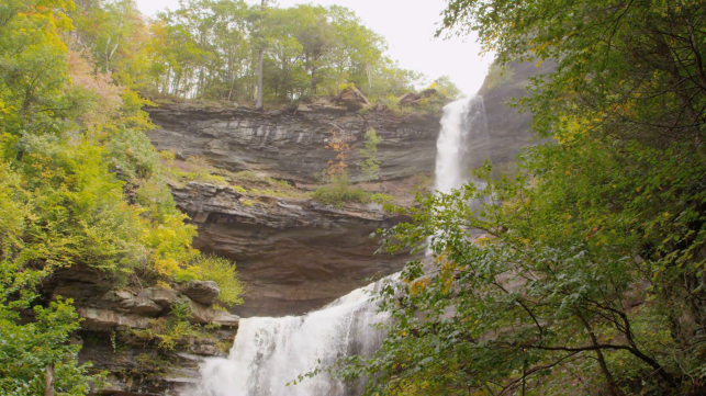 autumn-waterfall-in-catskills-wide-4_vmvyqfprg__F0000.png